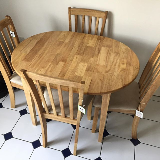 Argos Banbury Dining Table And Chairs Assembly.